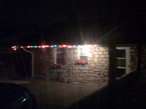 4) The one string of lights hints that they have a little spirit, but please, shut of your flood light. It doesn't count.